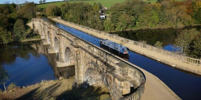По акведуку можно прогуляться пешком или совершить круиз на лодке. /Фото: canalrivertrust.org.uk