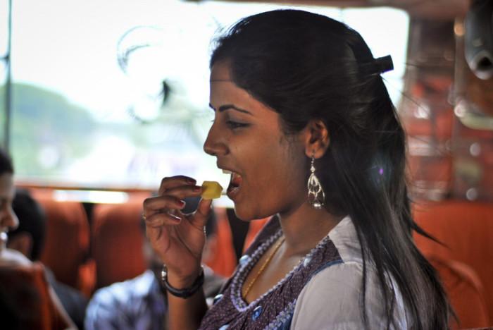 Индийская еда очень вкусная и идеально подходит вегетарианцам. /Фото: d36tnp772eyphs.cloudfront.net
