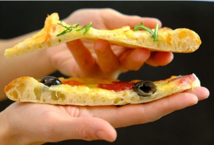 Для вкусной пиццы придется поработать руками. /Фото: edalnya.com