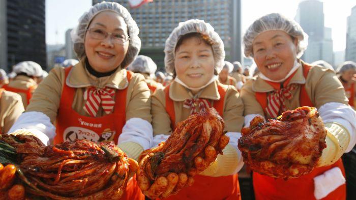 Кимчи будешь? | Фото: cms.qz.com.