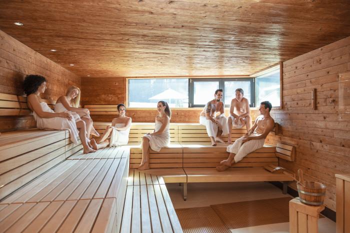 Париться в сауне с коллегами – обычное дело в Финляндии. /Фото: vcdn.bergfex.at
