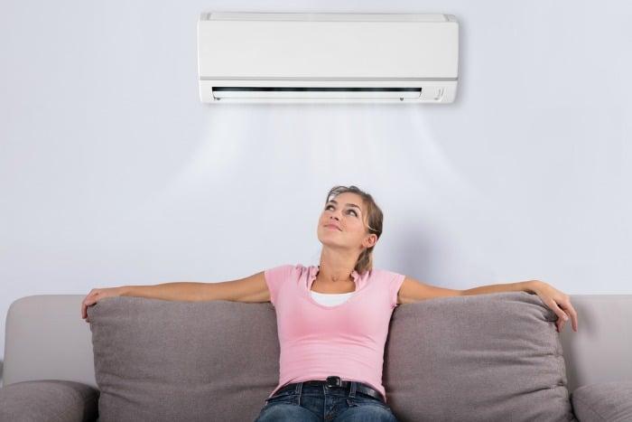 В жару нужно думать не только о своем комфорте, но и о «самочувствии» кондиционера. /Фото: thefrazzledhomemaker.com