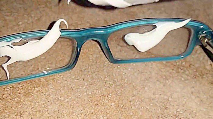 Стекла очков прекрасно чистятся и полируются пастой. /Фото: zacep.com