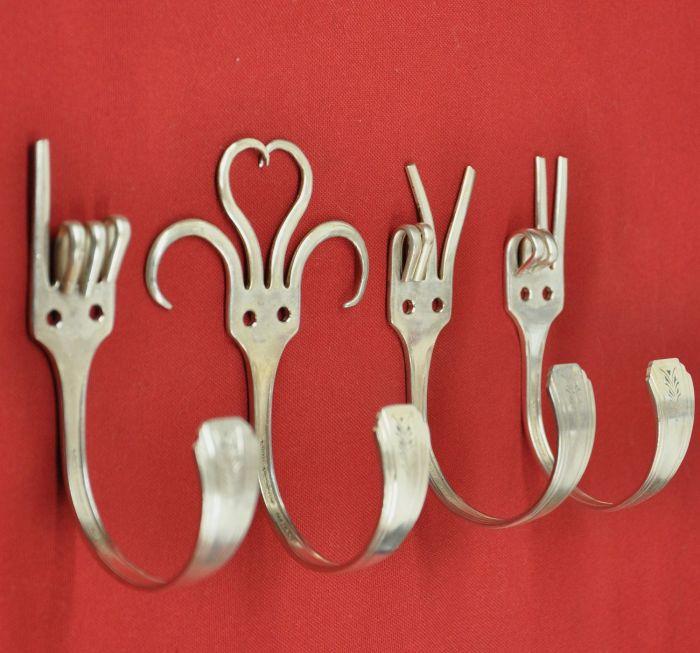Зубья вилки дают простор для дизайна крючков. /Фото: i.pinimg.com
