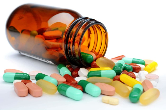Лекарства могут вызывать проблемы с кожей, для которых крем не предназначен. /Фото: firstaidforlife.org.uk
