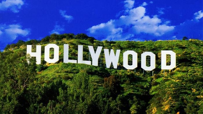 Изначально рекламный щит Hollywood должен был прослужить не более года. /Фото: bmwunstoppable.com