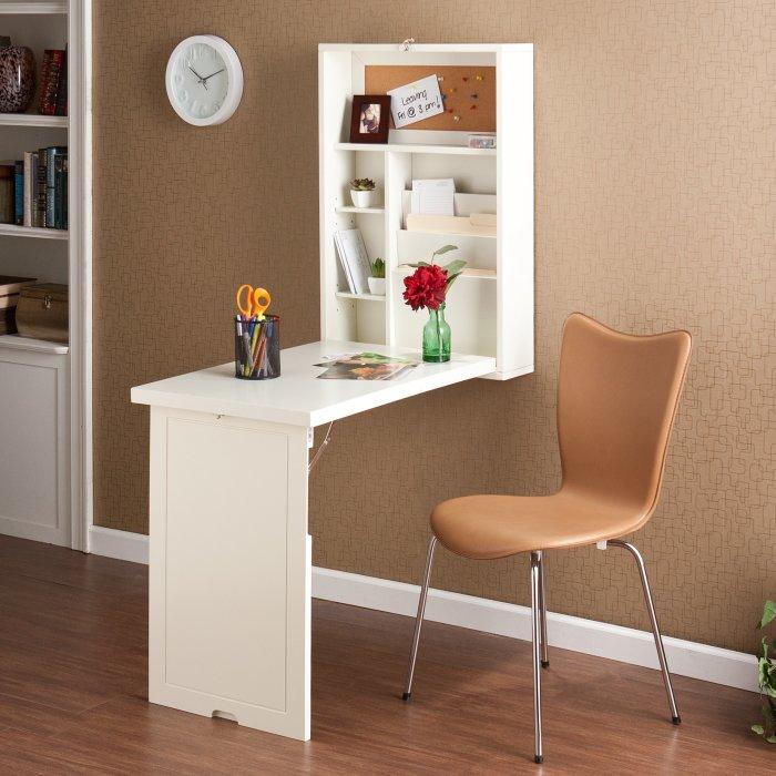 Откидной столик — идеальное место для того, чтобы спокойно уделить время своему хобби. /Фото: images-na.ssl-images-amazon.com