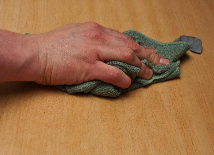 Трещины на деревянной мебели – неприятная, но решаемая проблема. /Фото: pinterest.ru