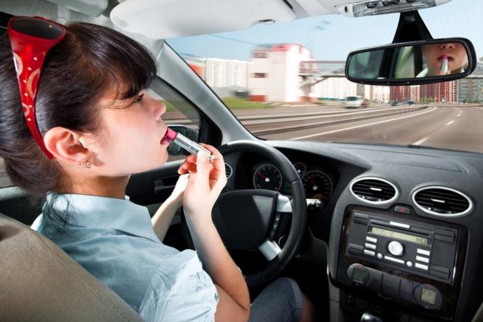 Женщина за рулем – привычная картина для многих стран. /Фото: a.d-cd.net