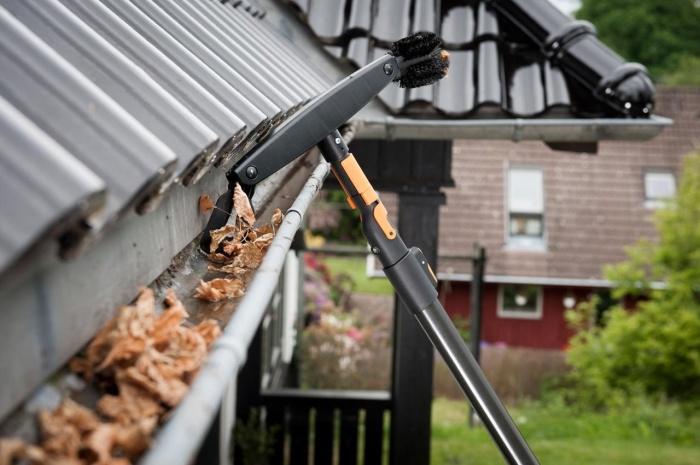 Водосточные трубы и желоба должны быть чистыми. /Фото: phnx-static.s3.eu-central-1.amazonaws.com