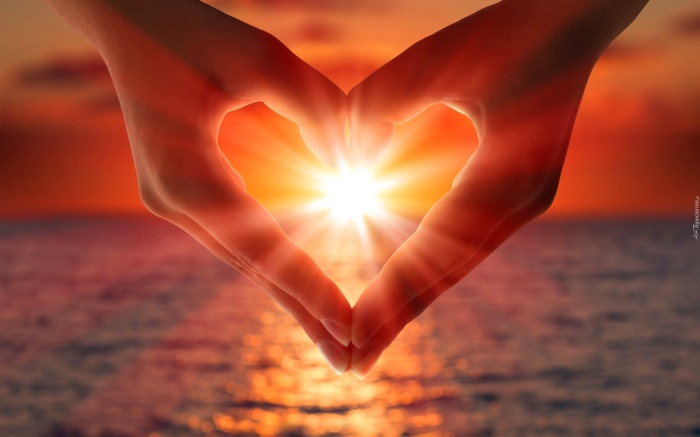 Символ сердца – знак любви, узнаваемый на любом континенте. /Фото: tapeciarnia.pl