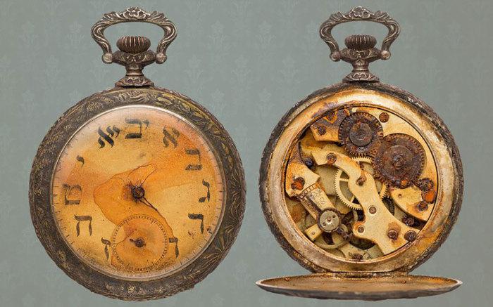 Часы, которые показывают точное время катастрофы. /Фото: 1.bp.blogspot.com