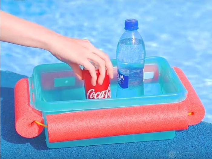 Удобная конструкция для отдыха в воде.