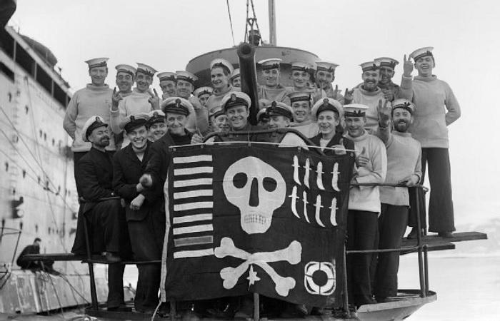 Корабли в полоску, «Веселый Роджер» над подлодками и другие занятные факты из истории войн