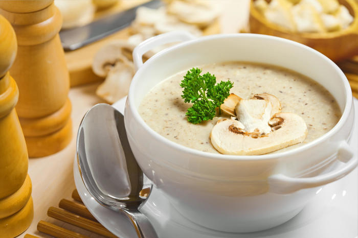 При приготовлении сливочных супов главное не переборщить с молочными компонентами. /Фото: static.wixstatic.com