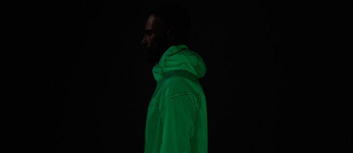 Светящаяся в темноте куртка Solar Charged Jacket. /Фото: dyk8bhziazfed.cloudfront.net