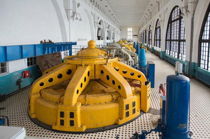Экскурсия на ГЭС – отличный способ интересно провести время и увидеть энергию воды. /Фото: tgc1.ru