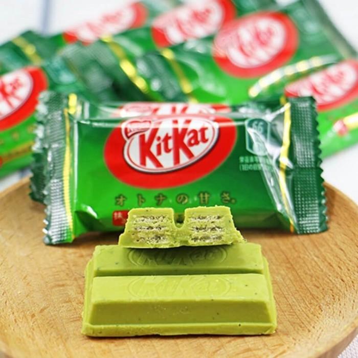 Угадайте, с каким вкусом может быть зеленый Kit Kat? /Фото: wenzhousupermercados.com