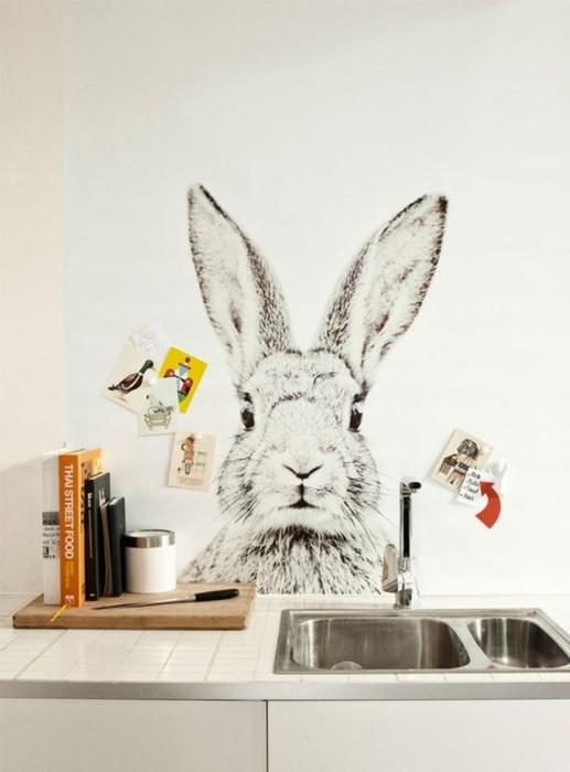 Красивый и эффектный заяц на большую часть стены. /Фото: fler.cz