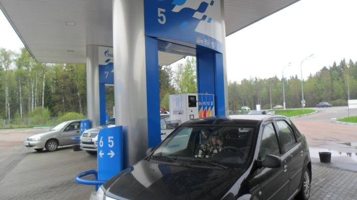 Газовая заправка с подземными резервуарами. /Фото: a.d-cd.net
