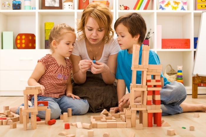 Поведение родителей — крайне важный, хоть и не всегда явный аспект воспитания. /Фото: liberalernajkpg.se