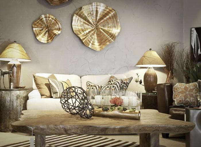 Декор из бронзы с помощью замысловатых форм и игры света привлекает внимание и наделяет интерьер собственным «характером». /Фото: phnx-static.s3.eu-central-1.amazonaws.com