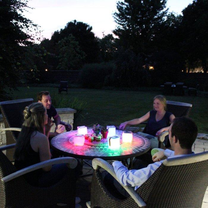 Полезное приобретение, чтобы вечера на природе стали уютнее. /Фото: cdn.shopify.com