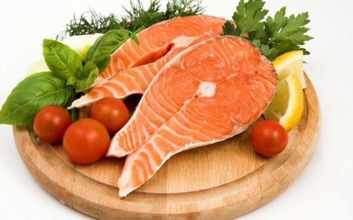 Жирная рыба — полезные мононенасыщенные жиры. /Фото: tvoi-noski.ru