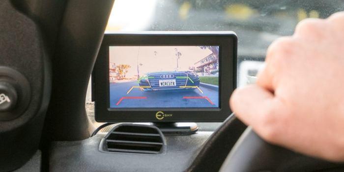 Системы обзора вскоре полностью заменит зеркала заднего вида. /Фото: cdn.thewirecutter.com