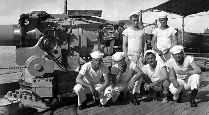 Футболки были частью униформы ВМС США. /Фото: ilikehistory.com