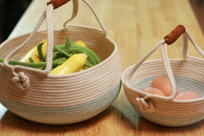 Даже посуду можно задекорировать с помощью веревки. /Фото: i.pinimg.com
