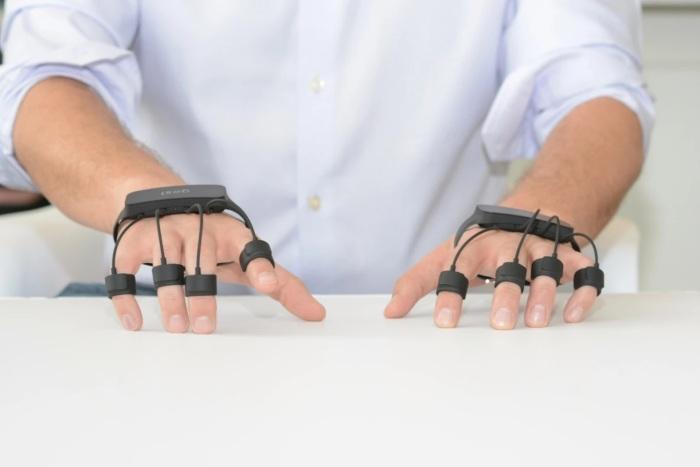 Gest успешно заменяет и мышь, и клавиатуру. /Фото: assets.newatlas.com