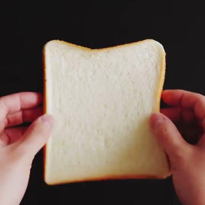 Черствый хлеб может стать ластиком. /Фото: i.ytimg.com