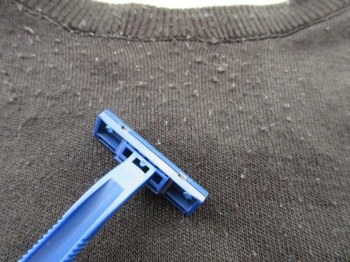 Специальное средство не даст образоваться катышкам на любимом свитере. /Фото: imagecdn1.luxnet.ua
