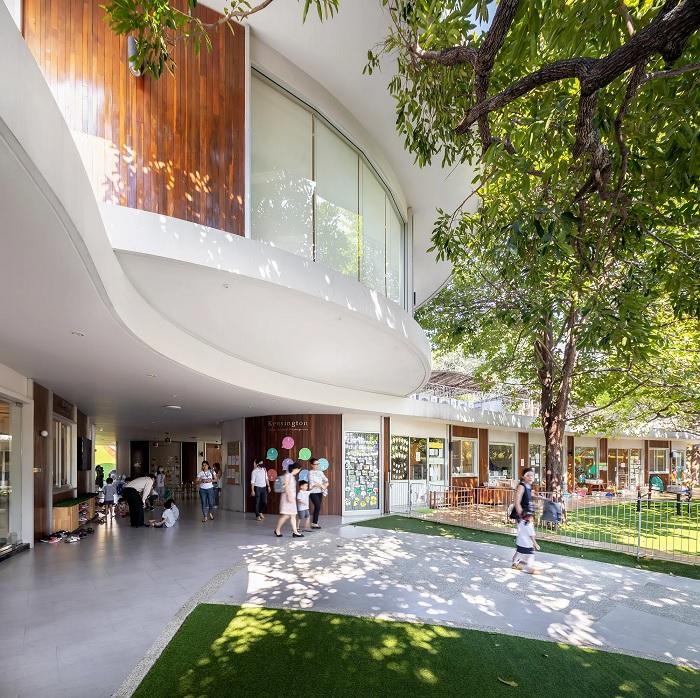Архитектура садика имеет свободную форму. /Фото: kensington.ac.th