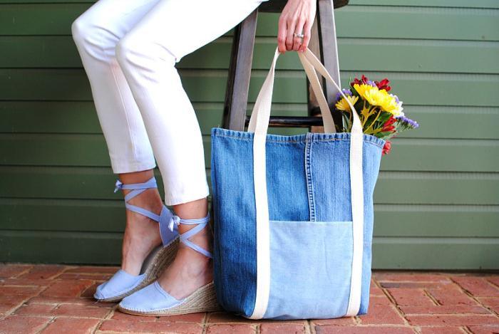 Тоут – самый простой вариант сумки для пошива. /Фото: blog.brothersews.com
