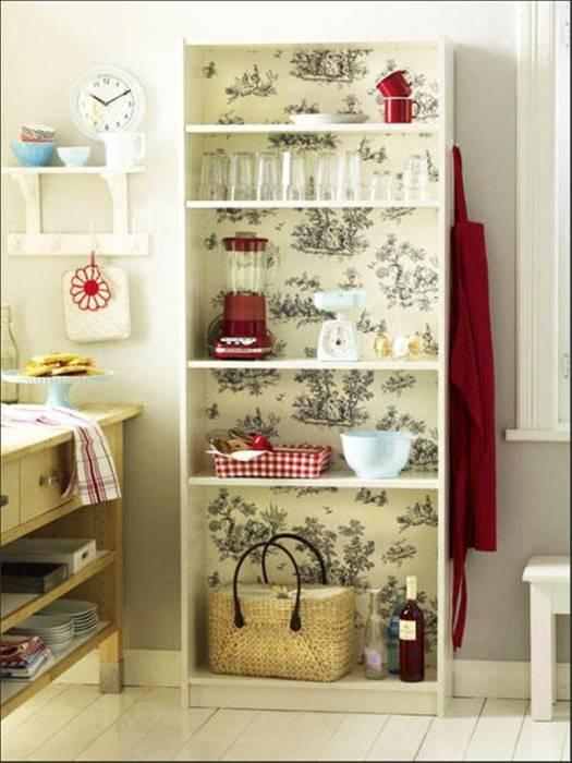 Можно покрыть бумагой полки, а можно внутреннюю часть шкафа. /Фото: maisonargenteuil.com