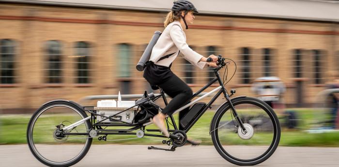 Одним движением Convercycle становится грузовым велосипедом. /Фото: convercycle.com