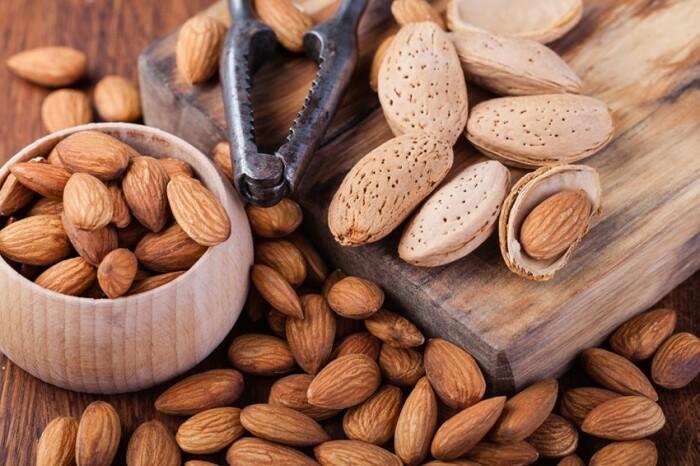 Миндаль имеет массу положительных качеств. /Фото: east-fruit.com