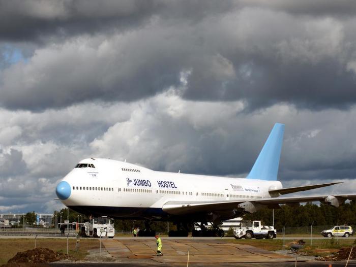 Ночевка в самолете-хостеле будет забавным опытом. /Фото: cf.bstatic.com