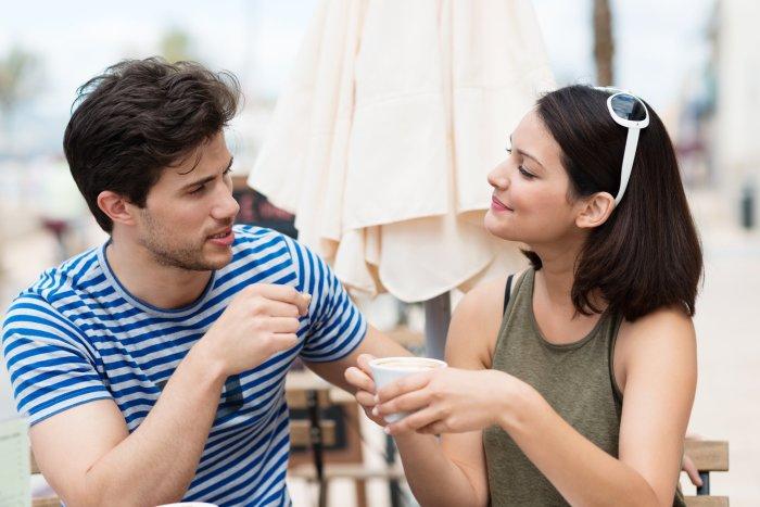 Компромисс — великая сила для крепкой семьи, важно его вовремя найти. /Фото: media1.popsugar-assets.com
