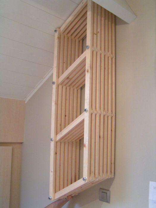 Понадобится совсем немного усилий и креатива, чтобы коридор стали украшать авторские полочки. /Фото: cdn.instructables.com