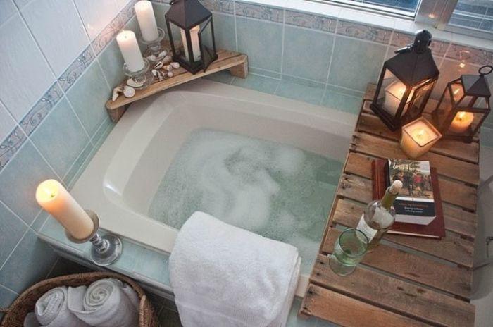 Стильное и многофункциональное решение для обустройства ванной комнаты. /Фото: i.pinimg.com