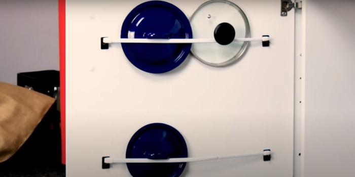 Так хранить крышки будет гораздо удобнее. /Фото: youtube.com