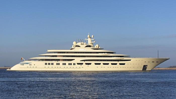 Яхта Dilbar названа в честь матери владельца. /Фото: superyachtdigest.com
