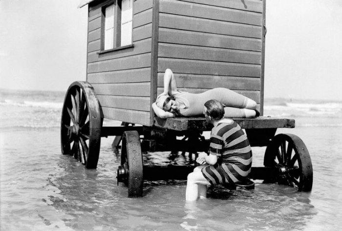 Купальные машины были актуальны около двухсот лет. /Фото: lifeglobe.net