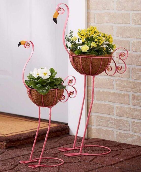 Эффектные фламинго, которые дарят окружающим свет и радость. /Фото: i.pinimg.com