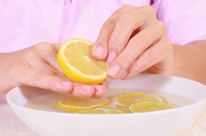 Лимон замечательно помогает избавиться от большинства неприятных запахов в квартире. /Фото: zhurnal-lady.com