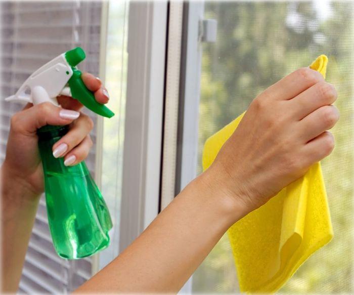 Водка заставит стекла сверкать на солнце. /Фото: remontbp.com