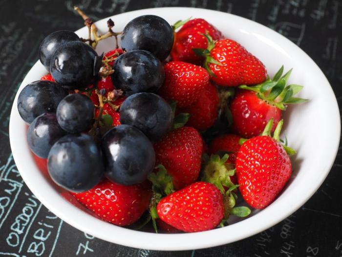 Уксус помогает сохранить свежесть ягод. /Фото: nastroy.net